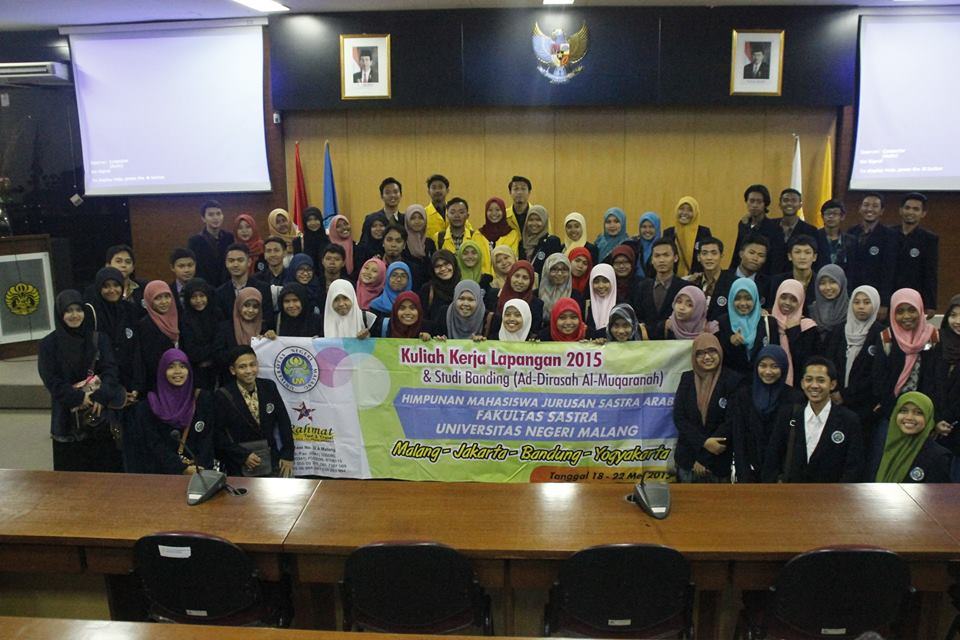 Menamam Ingat Perjalan KKL Mahasiswa Jurusan Sastra Arab Universitas Negeri Malang Angkatan 2013